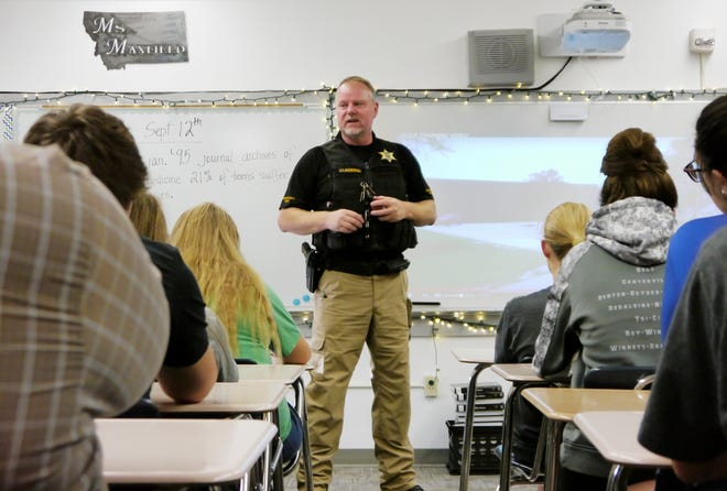 Lt. Bob Rosipal, Cascade County Sheriff's candidate, teaches active shooter training at Centerville School Wednesday, Sept. 12, 2018.