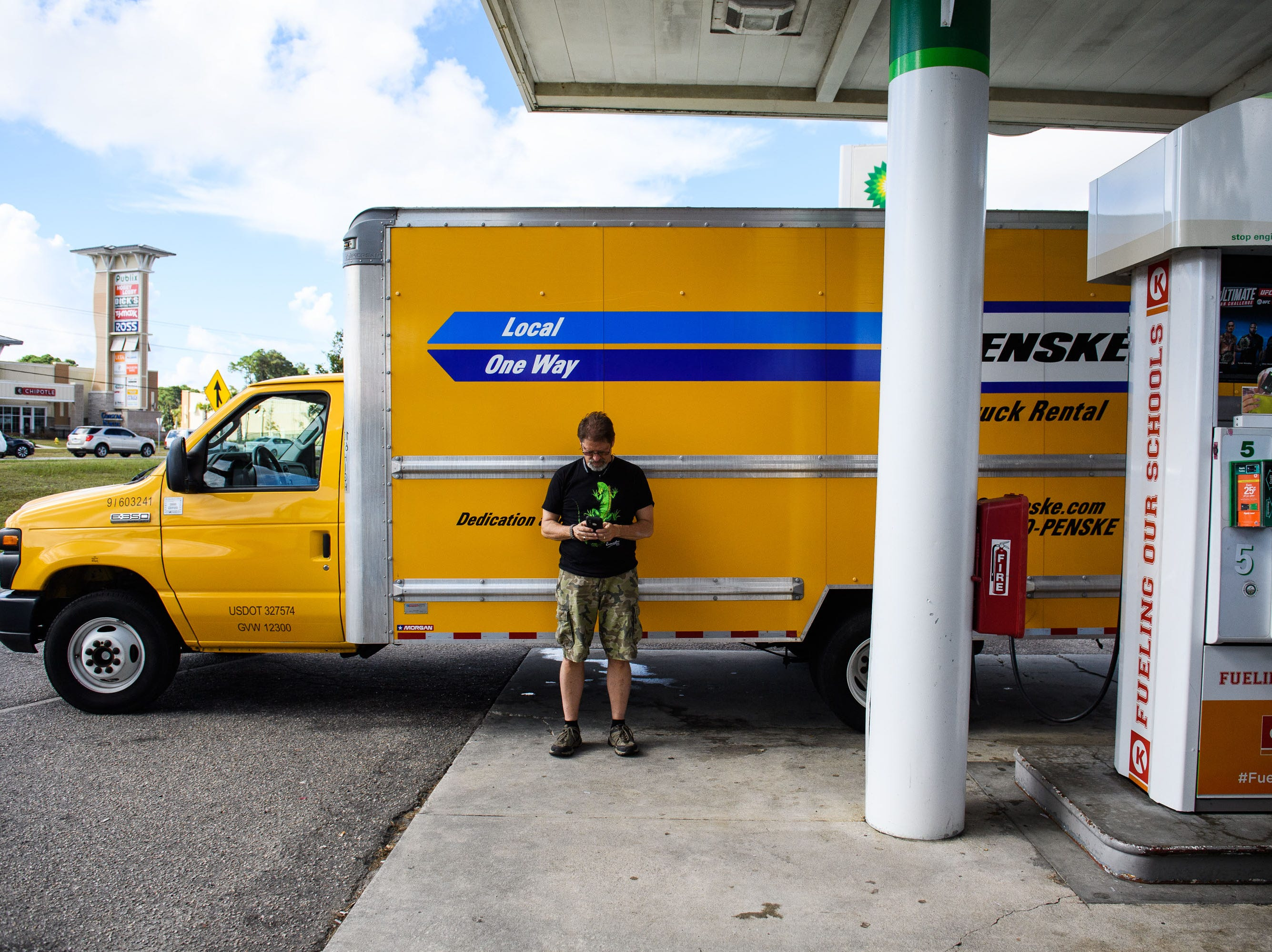 Sept. 11, 2018; North Myrtle Beach, SC, USA; Eric Oakley of North Myrtle Beach fills up his moving truck hours before the official evacuation begins on Tuesday, Sept. 11, 2018. Oakley said he and his family will be evacuating their home.