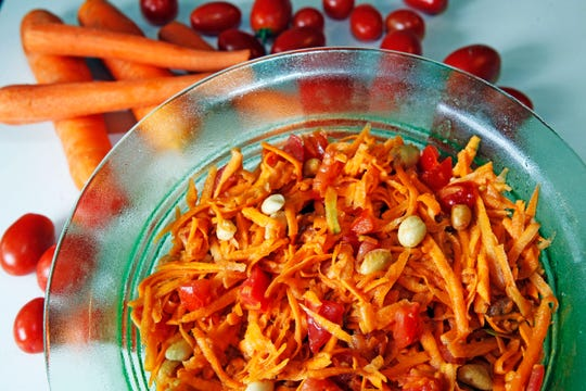 Papaya salad can also be made with carrots.