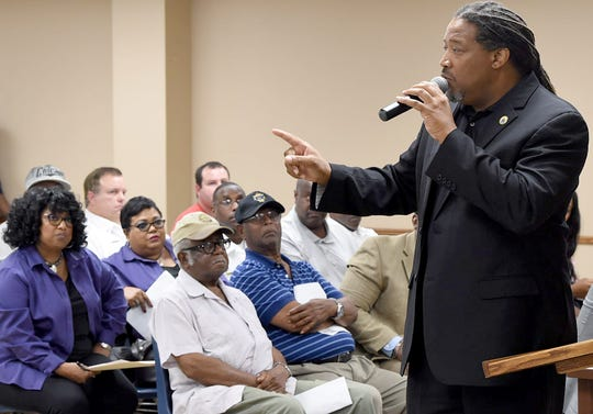 Chief Administrative Officer Rod Sias discusses the Opelousas city budget during Tuesday's city council meeting