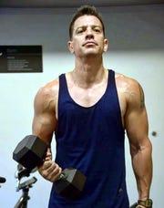 Su disciplina en el gimnasio no es de ayer, Yahir tiene años cuidándose y haciendo ejercicio.