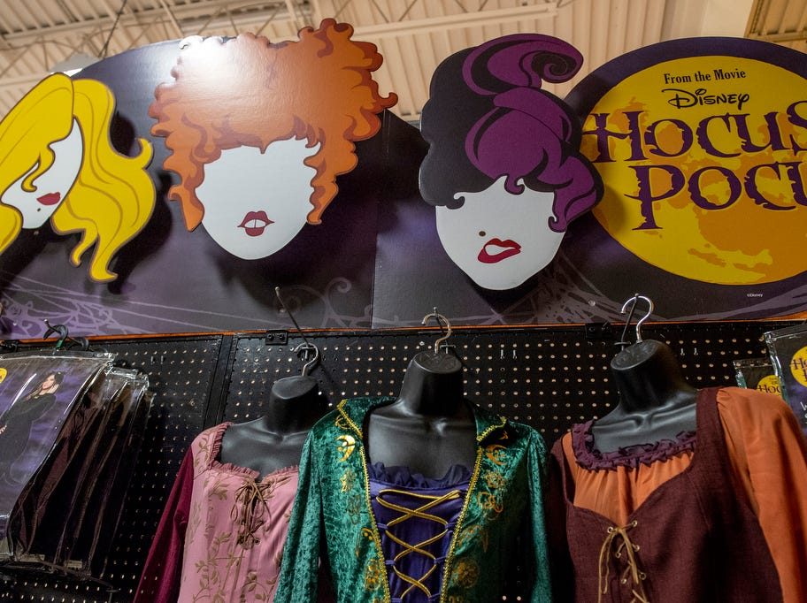 Hocus Pocus, a 1993 film, is set to be a big costume seller this year, as it celebrates its 25th anniversary.
