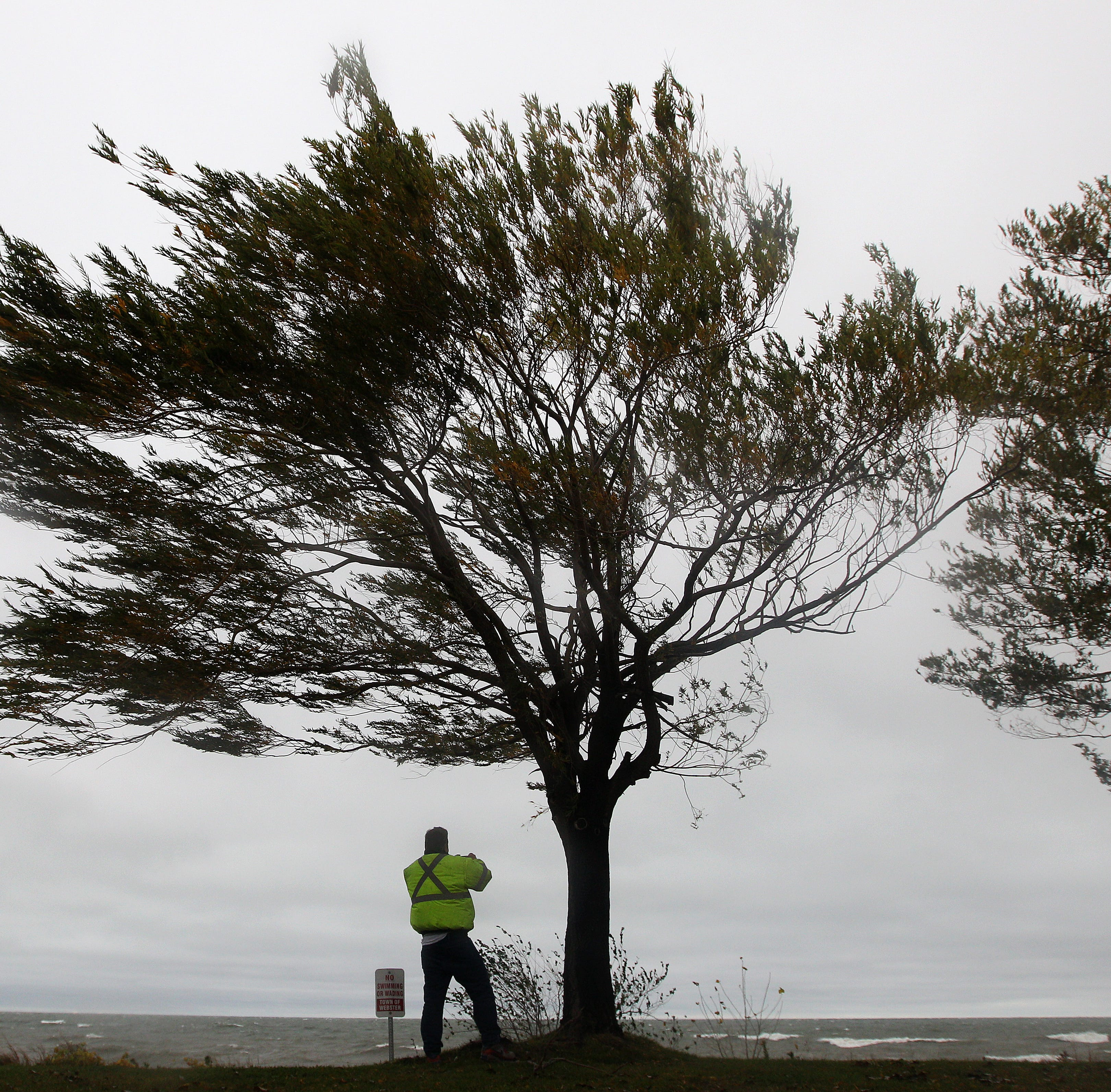 High wind warning posted for Monroe County; gusts to 60 mph possible