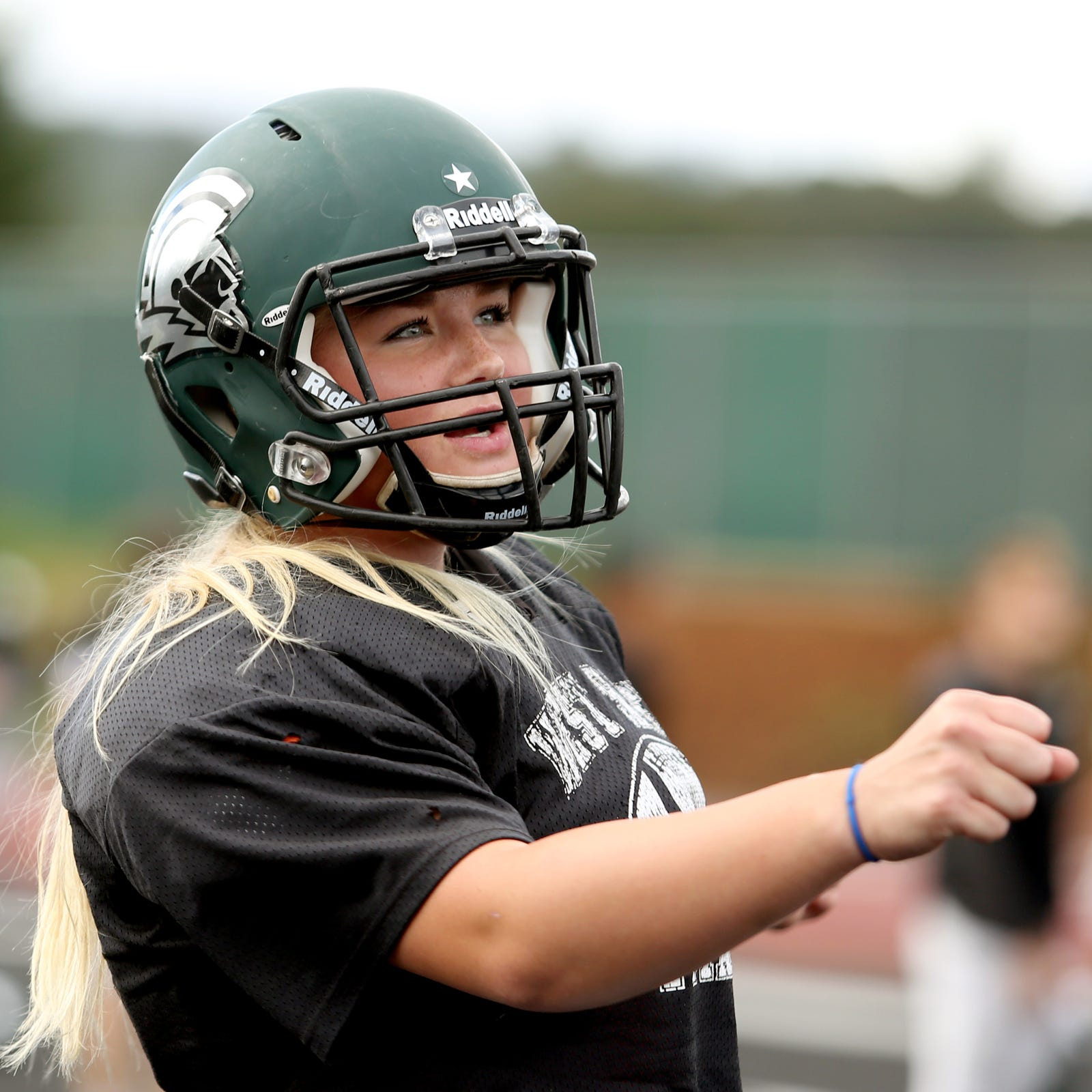 West Salem's Kyla Gordon ready to carry on Willamette University's female kicker tradition