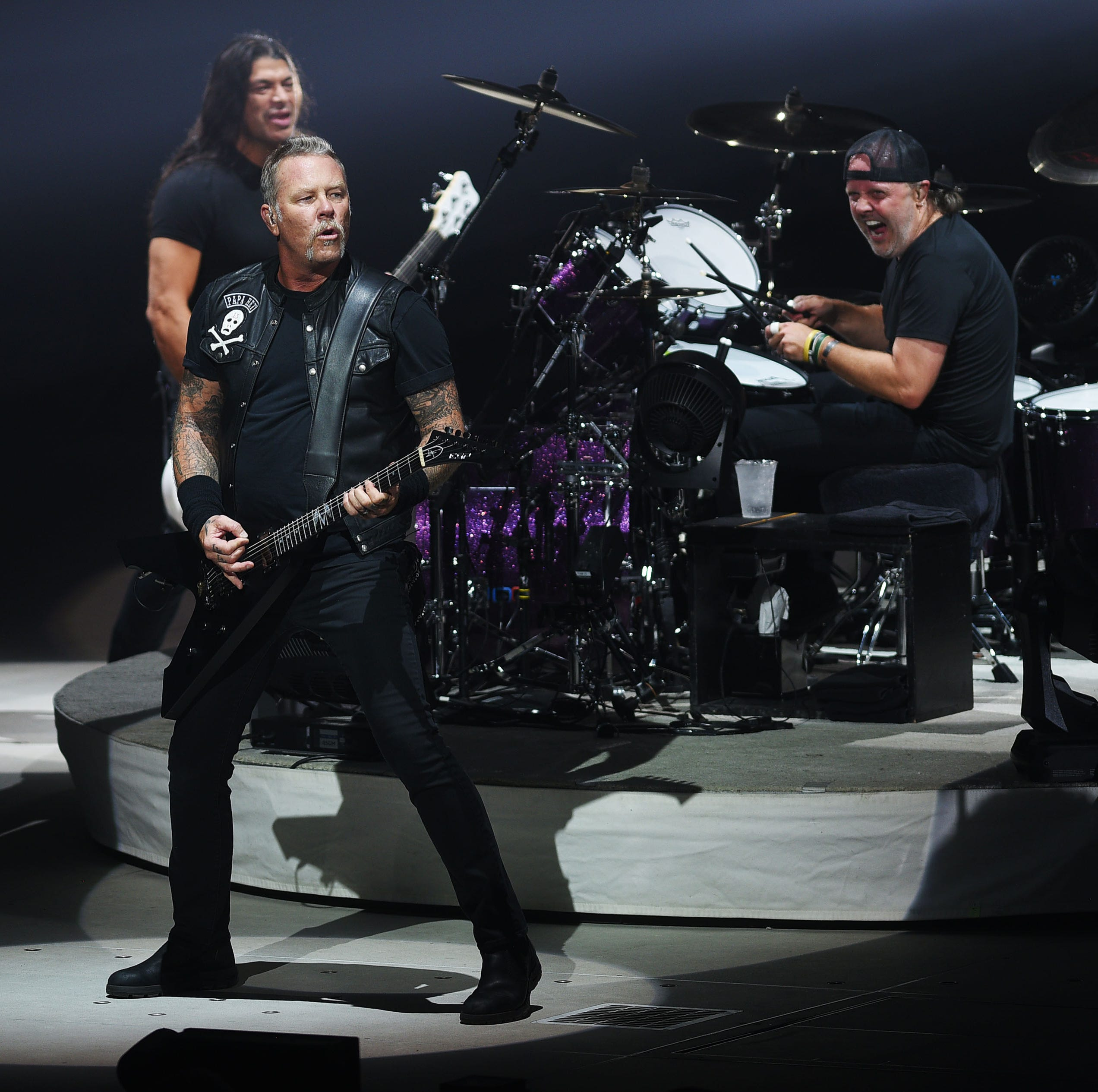 Review: Metallica brings thrilling rock spectacle to Sioux Falls
