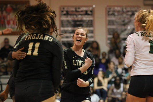 Lincoln Leon Volleyball 011