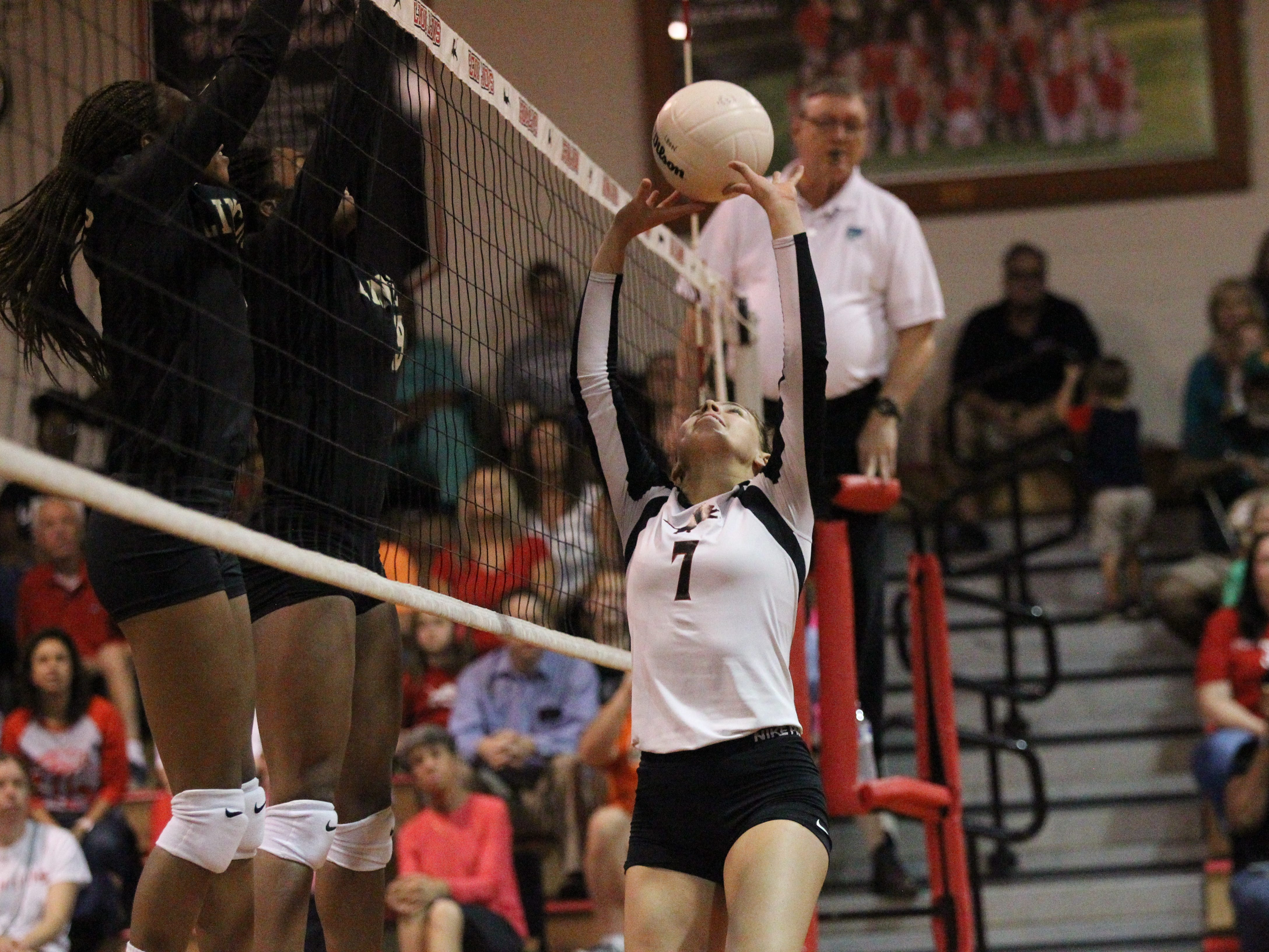 Lincoln and Leon play a District 2-8A volleyball match on Tuesday, Sept. 11, 2018.
