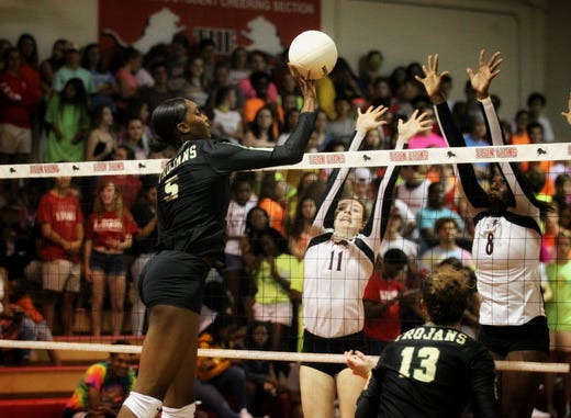 Lincoln volleyball emphasizing emotional play for season-build
