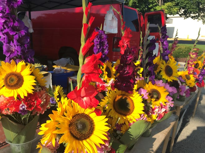 Cut flowers are considered a growing market in Wisconsin.