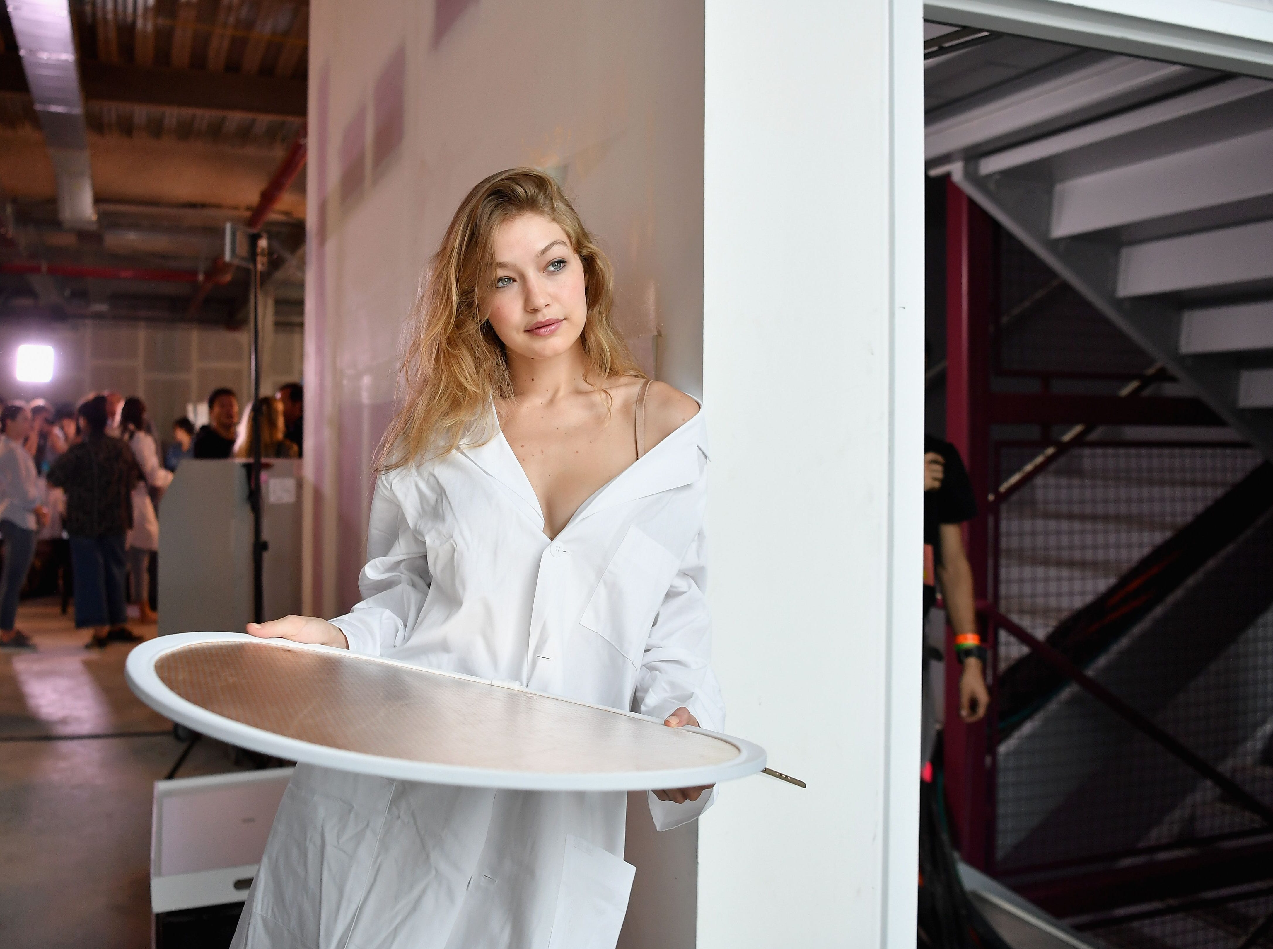 Model Gigi Hadid poses for photos backstage at the Michael Kors Collection Spring 2019 Runway Show at Pier 17 on September 12, 2018 in New York City. (Photo by Angela Weiss / AFP)ANGELA WEISS/AFP/Getty Images ORIG FILE ID: AFP_1919JY