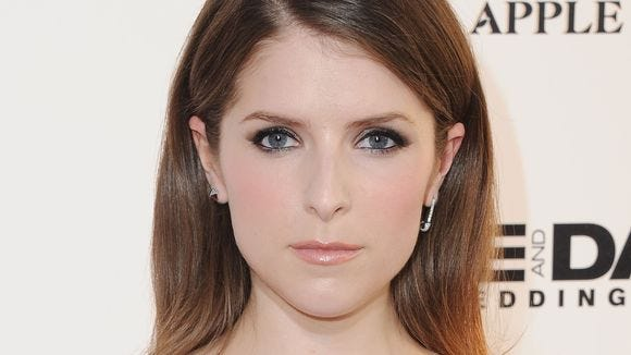 """Anna Kendrick plays a mom vlogger in the upcoming movie """"A Simple Favor."""""""