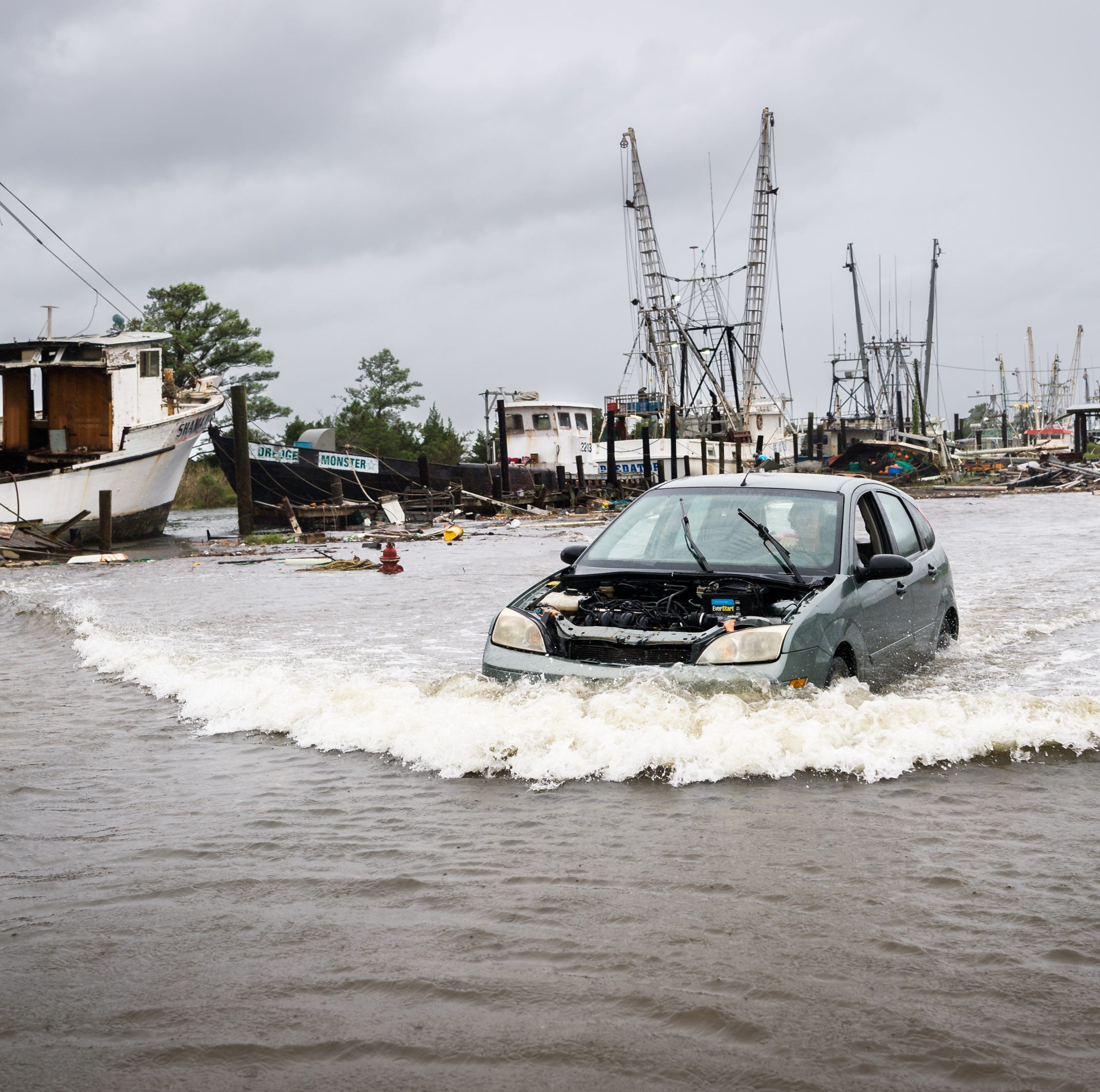 Winds batter North Carolina as life-threatening storm surge, Hurricane Florence move in