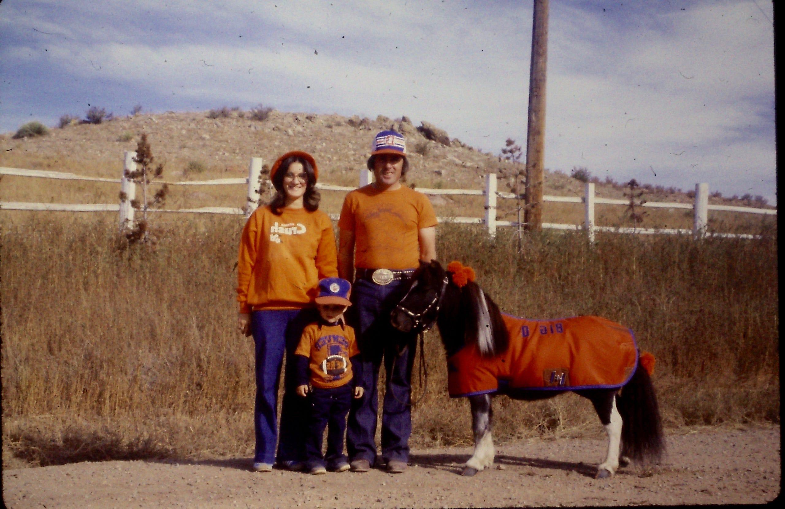 Meet The Denver Broncos First Live Mascot Td The Mini Horse