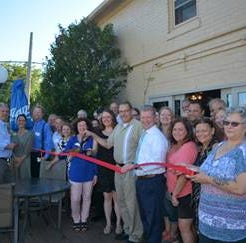 Manitowoc business news: Tony's Pizza cuts ribbon, HFM Chamber Clinic opens enrollment