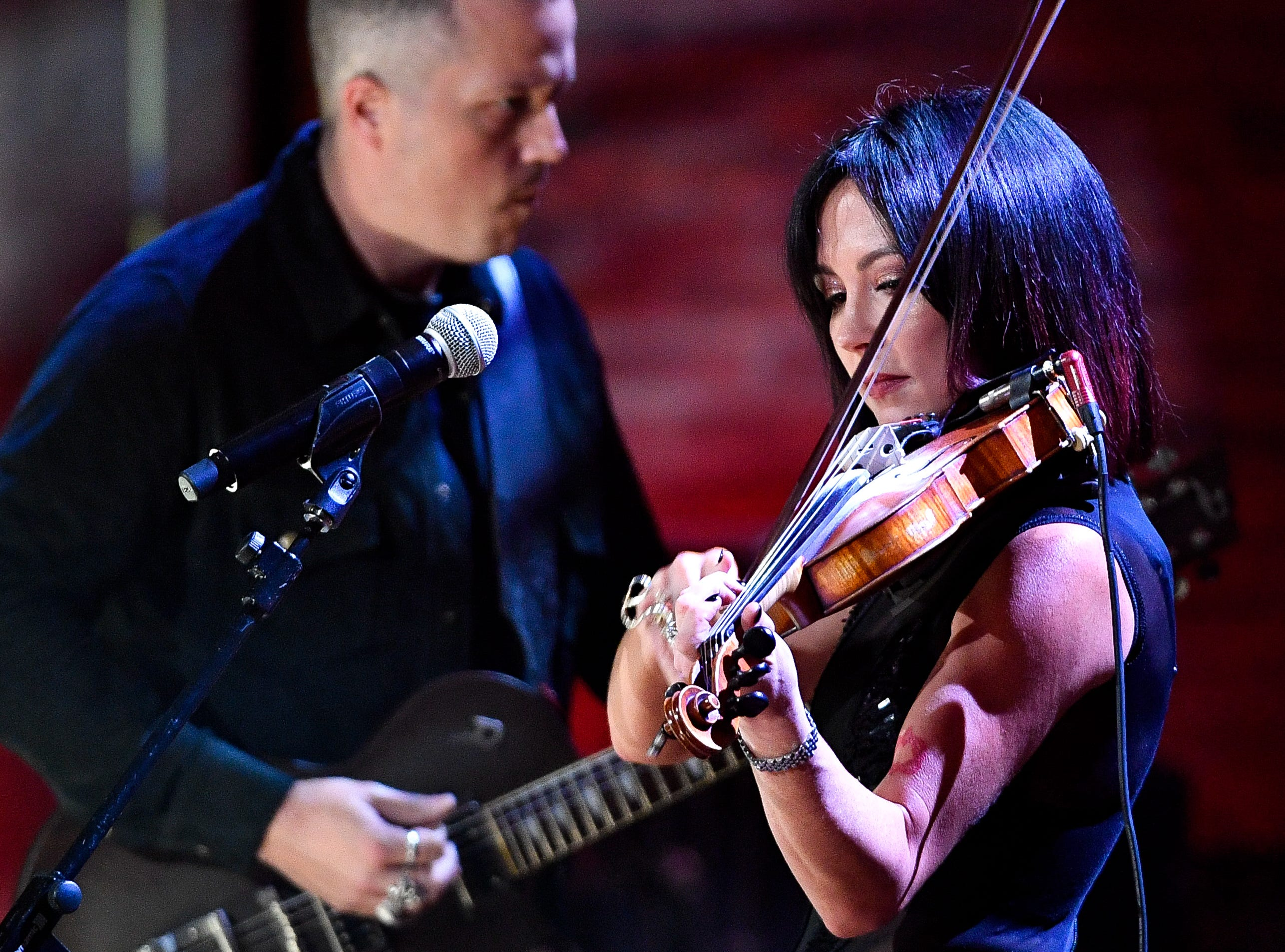 Amanda Shires performs with Jason Isbell and the 400 Unit perform during the 2018 Americana Honors and Awards show at the Ryman Auditorium in Nashville, Tenn., Wednesday, Sept. 12, 2018.