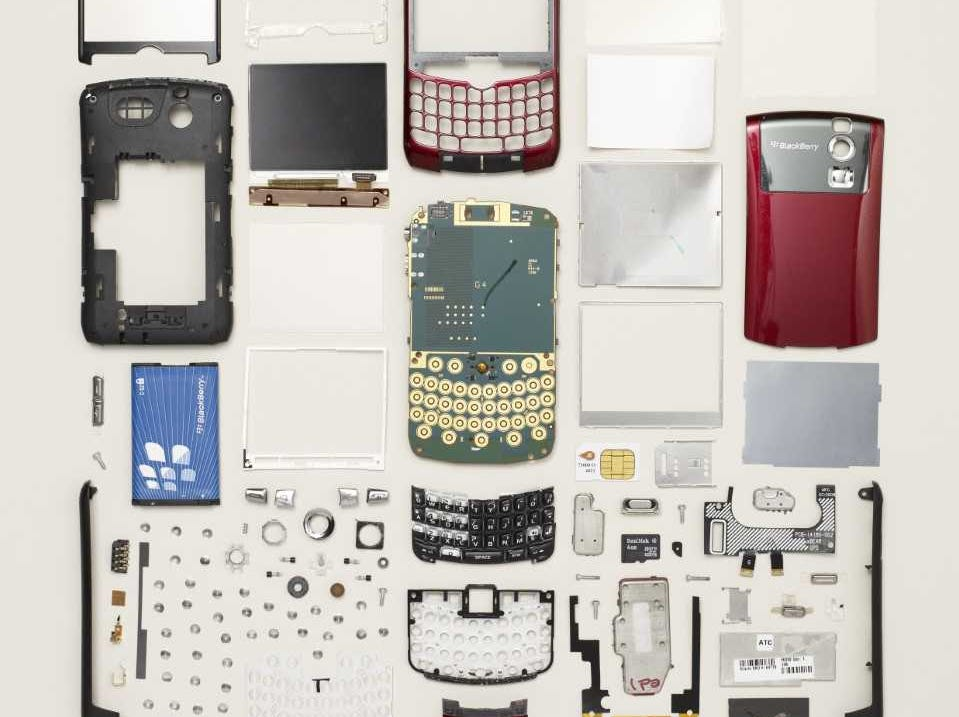 Things Come Apart is an exhibition organized by Todd McLellan and the Smithsonian Institution Traveling Exhibition Service (SITES).