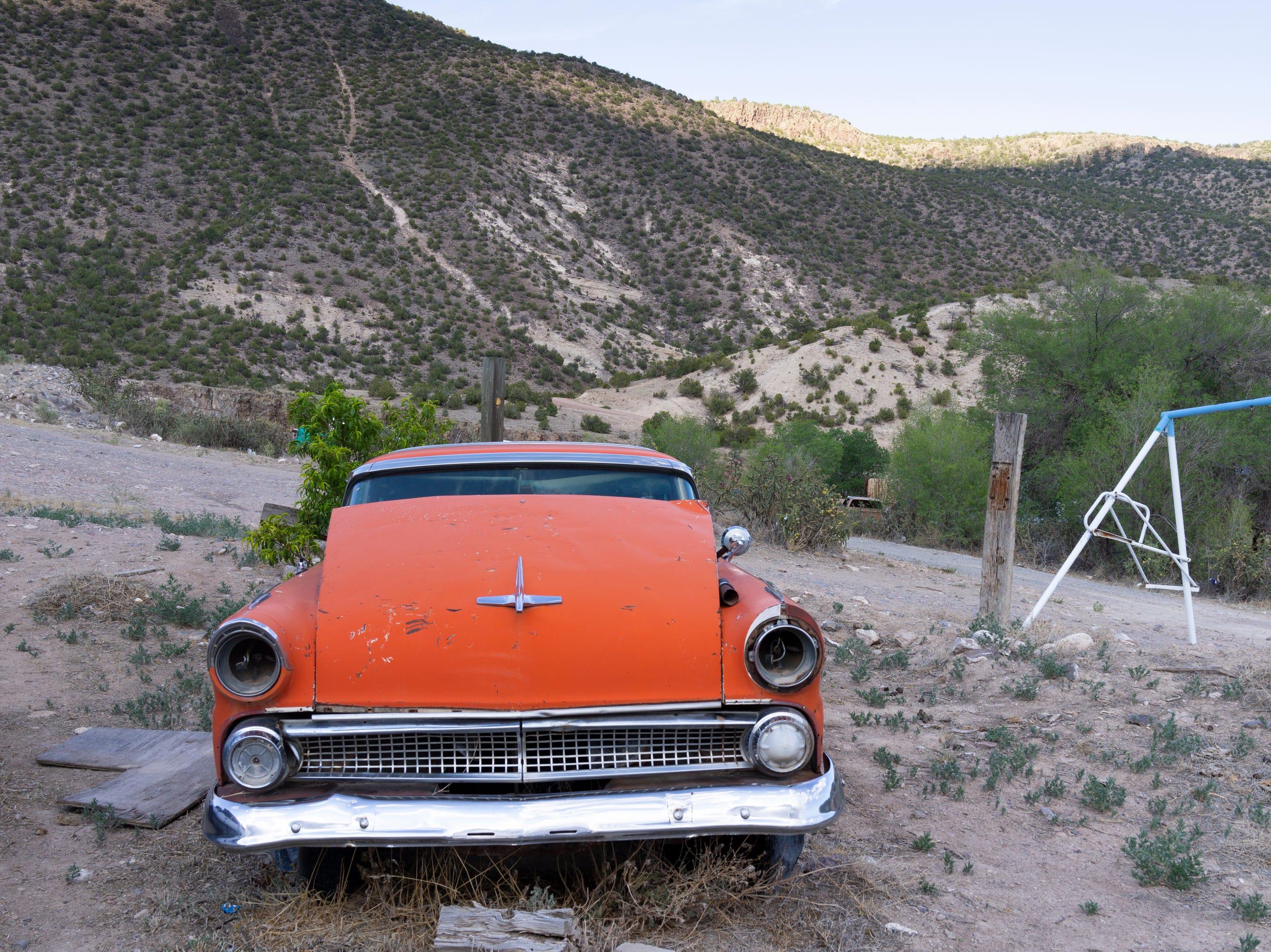 Cañones, New Mexico.