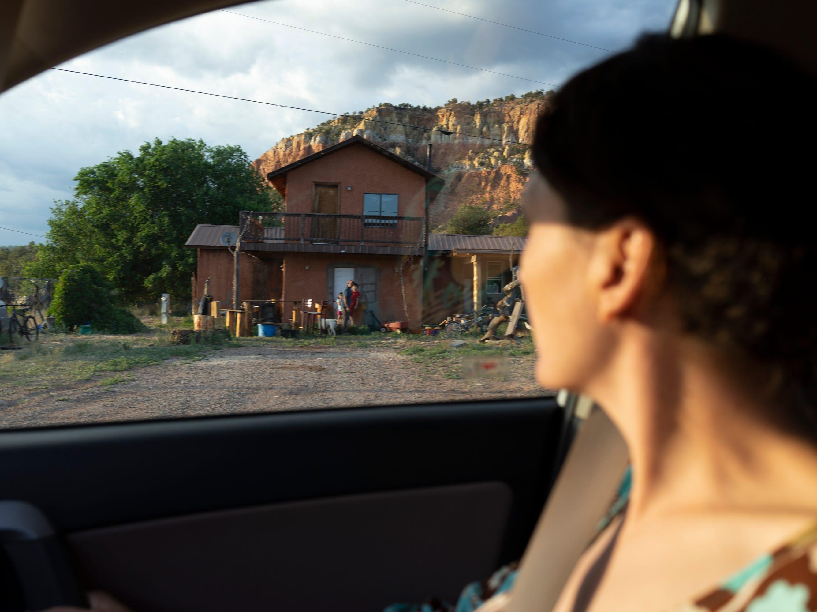 Emilia saying goodbye to her children in Gallina.