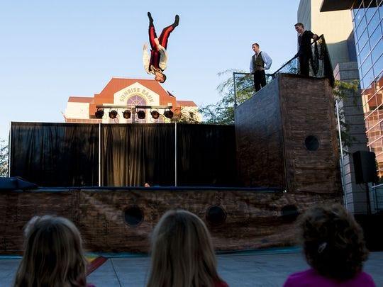 Fotografía de archivo del lanzamiento de la temporada 2014 del Mesa Arts Center.
