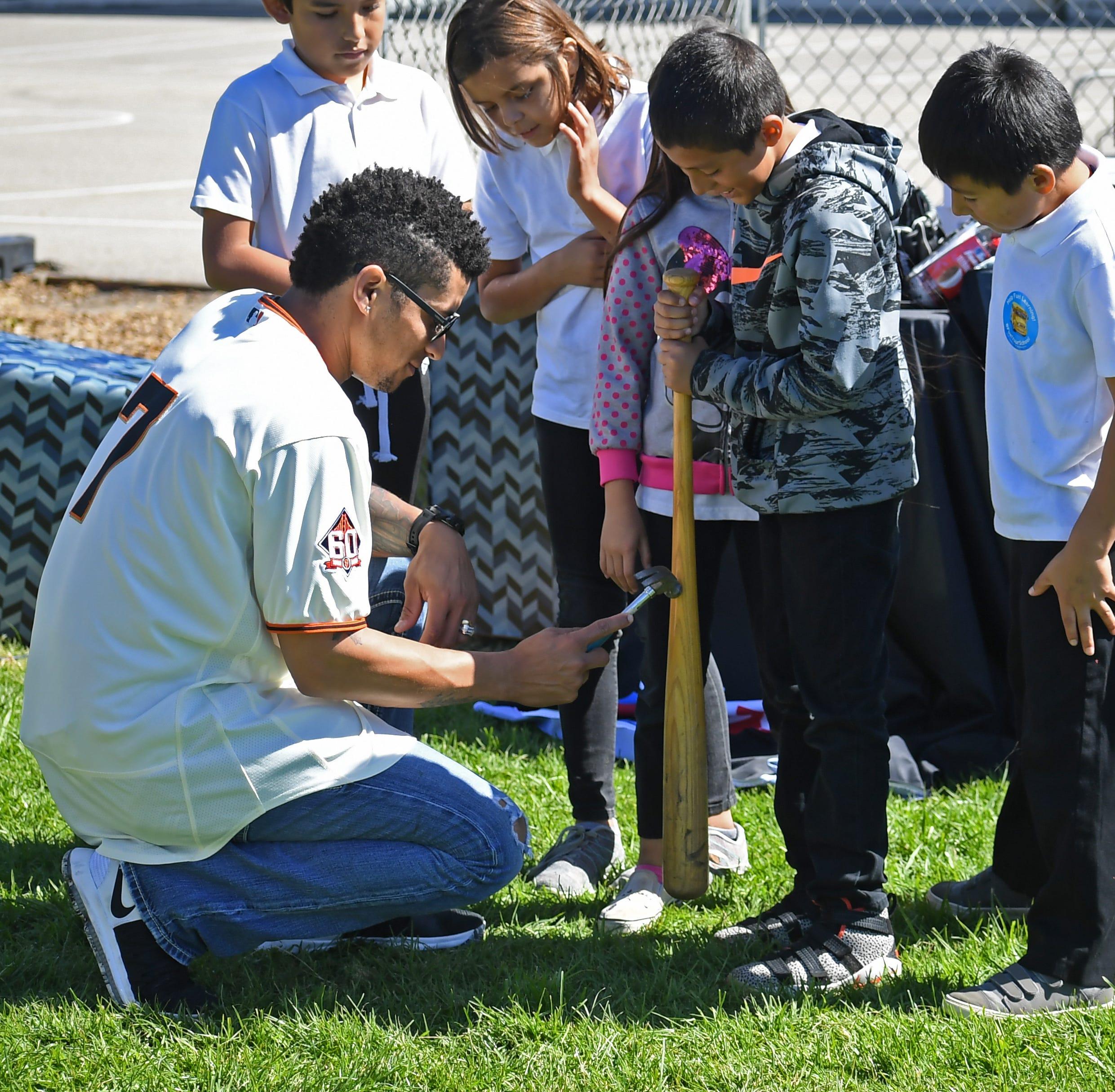 Por qué un jugador de los Gigantes visitó una escuela de Salinas