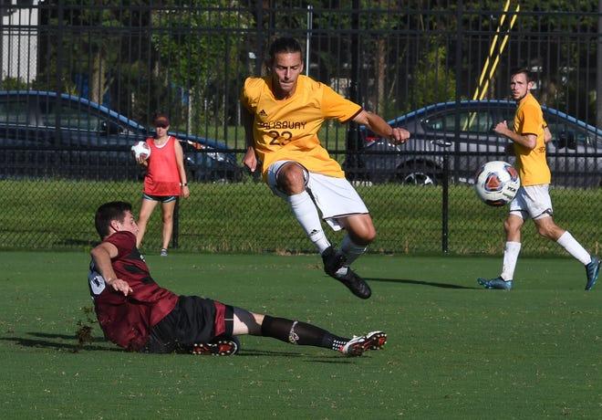 Salisbury University's Robbie Budd (23) controls the ball  against Washington College on Wednesday, Sept 12, 2018.