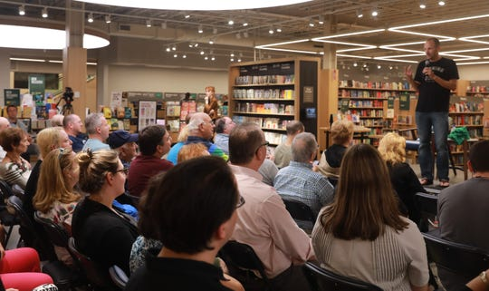 New York Times best-selling author and Mahopac alumnus Jeff Pearlman discussed his latest book on the USFL at Barnes & Noble in Scarsdale Sept.12, 2018.