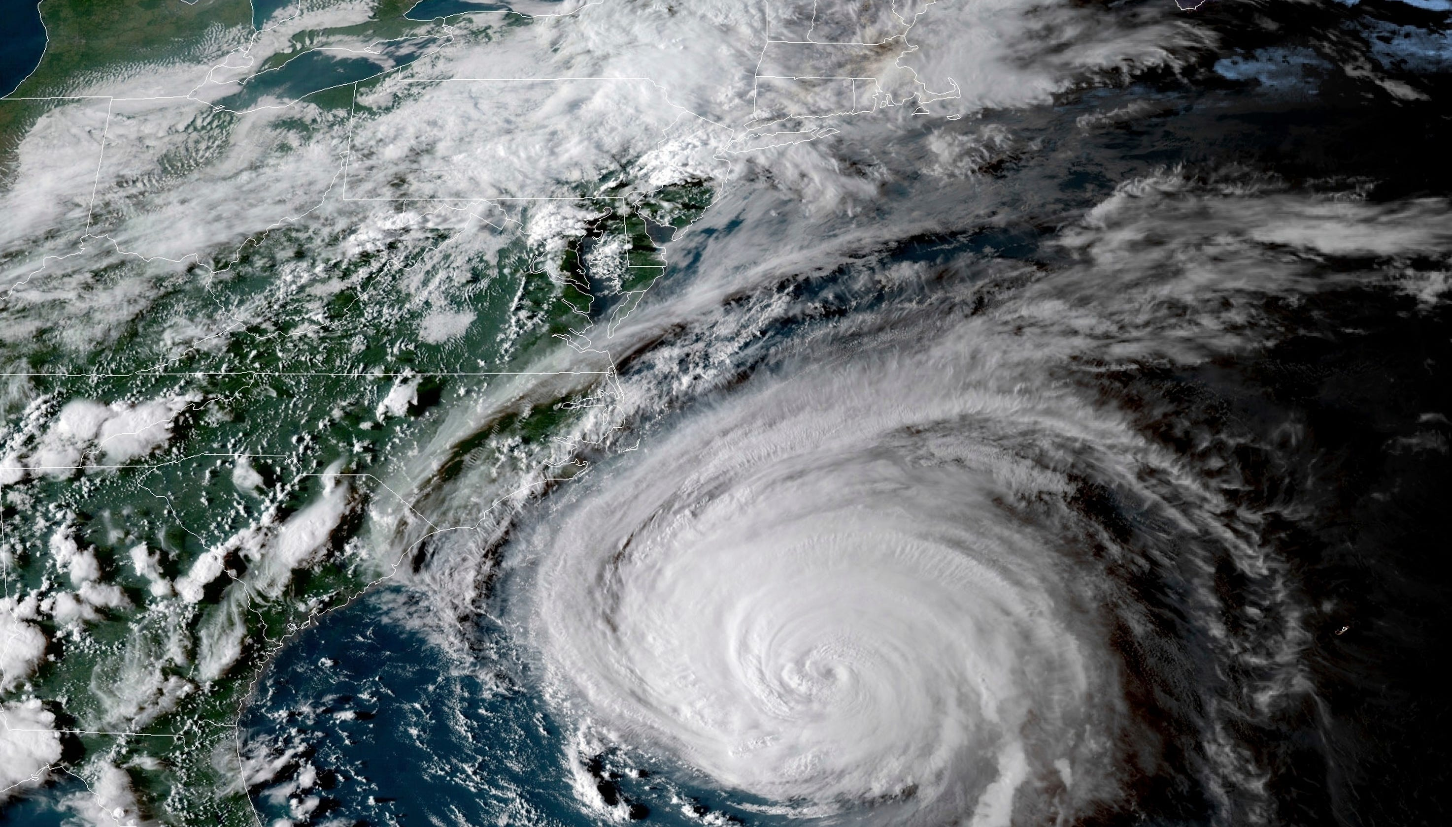 Hurricane Florence: Projected path as storm nears landfall on