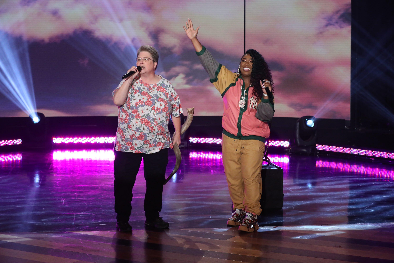 Watch Missy Elliott surprise her 'Funky White Sister' during a performance on 'Ellen'