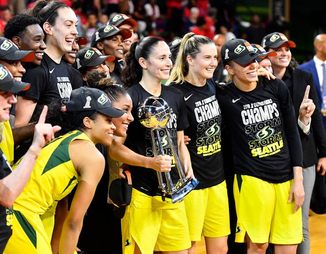 The Storm celebrate after sweeping the Mystics.