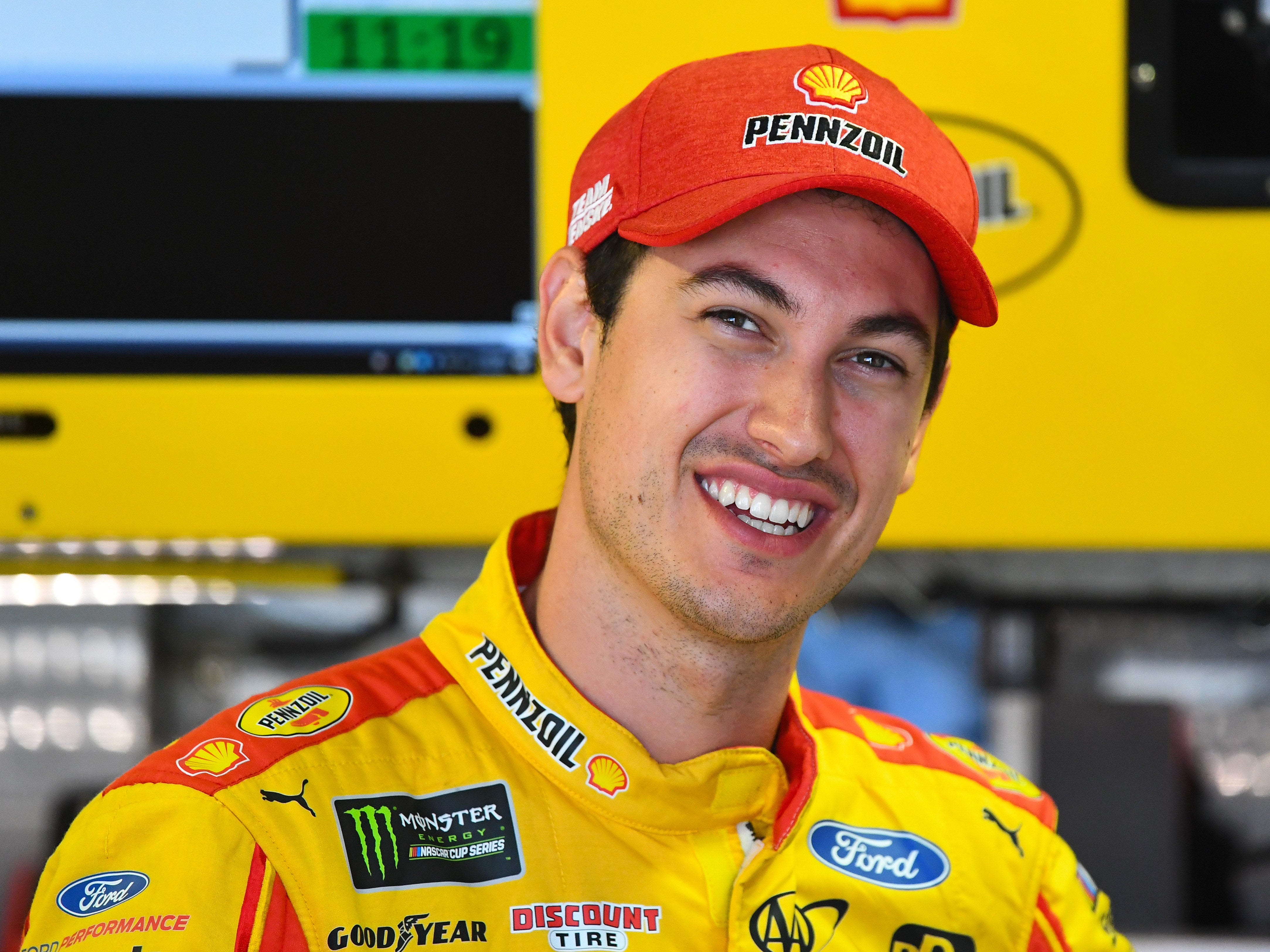 1. Joey Logano, 5,040 points; Won championship.