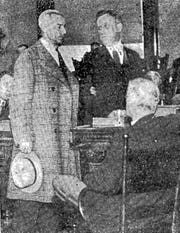 Andrew Horvatt surrenders to the state police in 1931.