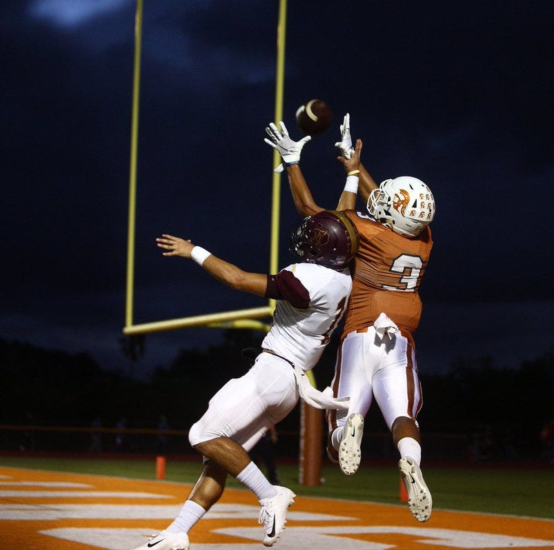 Beeville uses halftime adjustments to break open game, top T-M