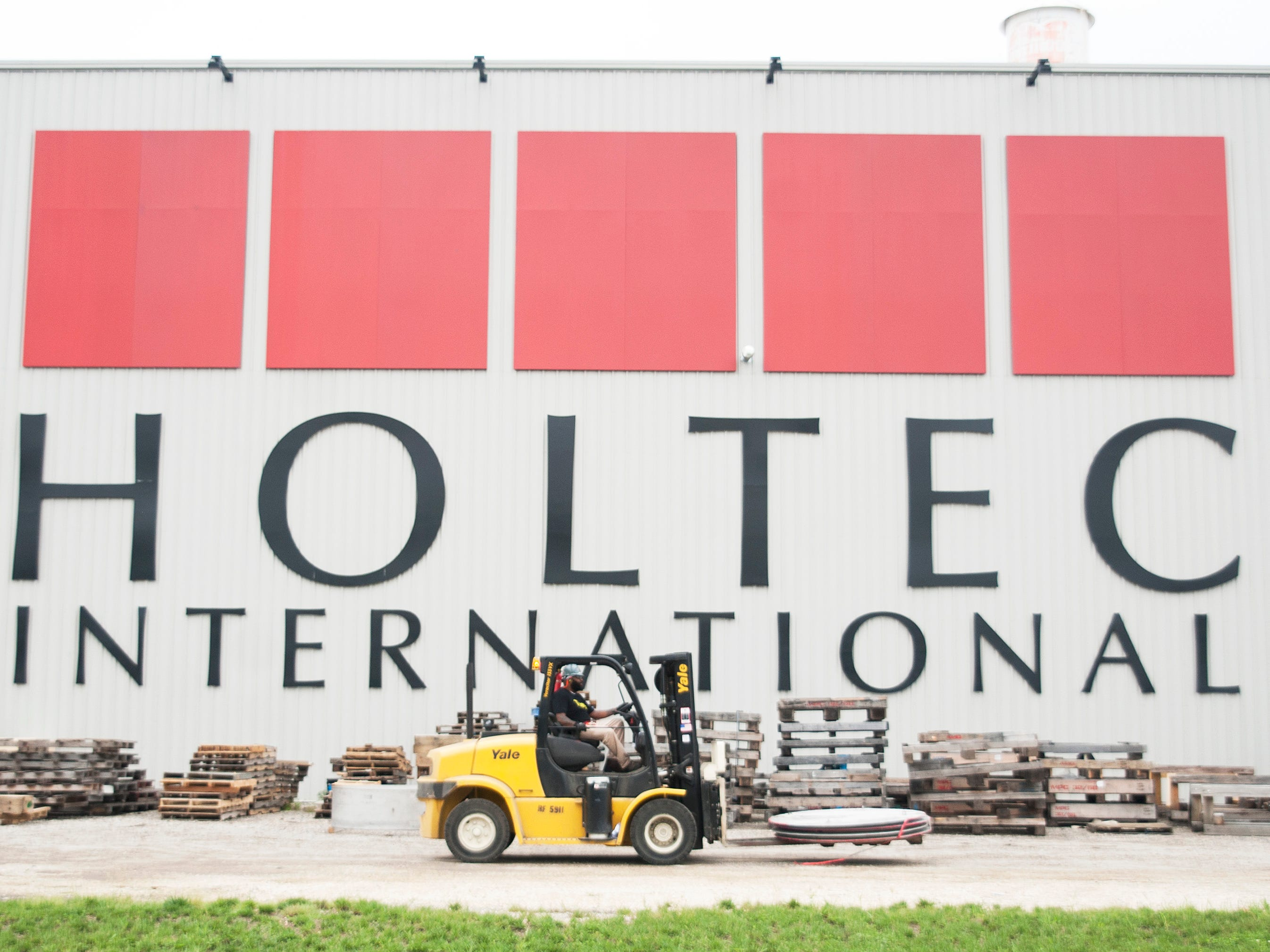 Holtec seeks approval to buy, scrap nuclear power plant
