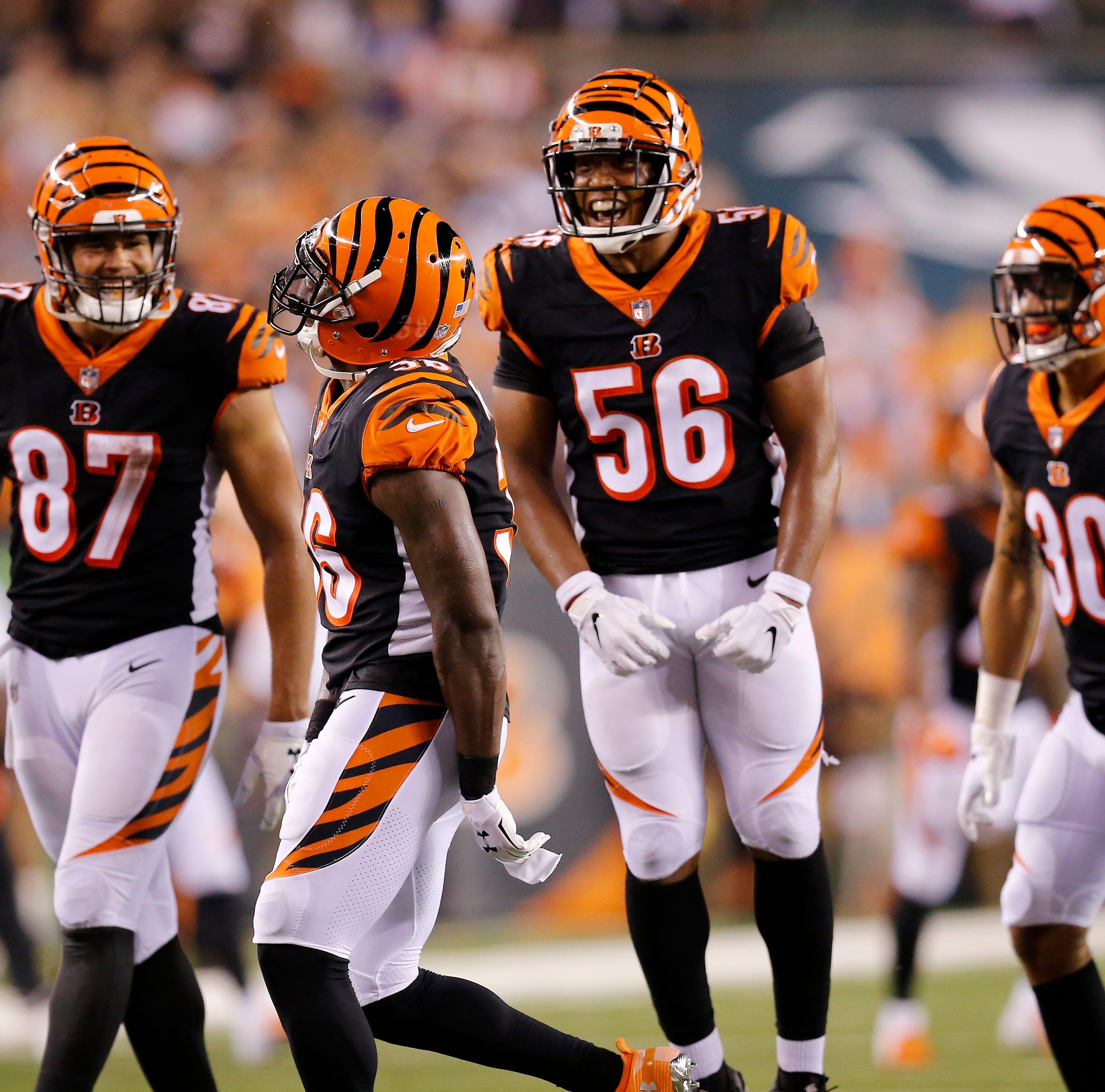 The Cincinnati Bengals defense celebrates after a...