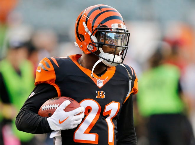 Cincinnati Bengals defensive back Darqueze Dennard (21) stands by during pregame warmup before the NFL Week 2 game between the Cincinnati Bengals and the Baltimore Ravens at Paul Brown Stadium in downtown Cincinnati on Thursday, Sept. 13, 2018.