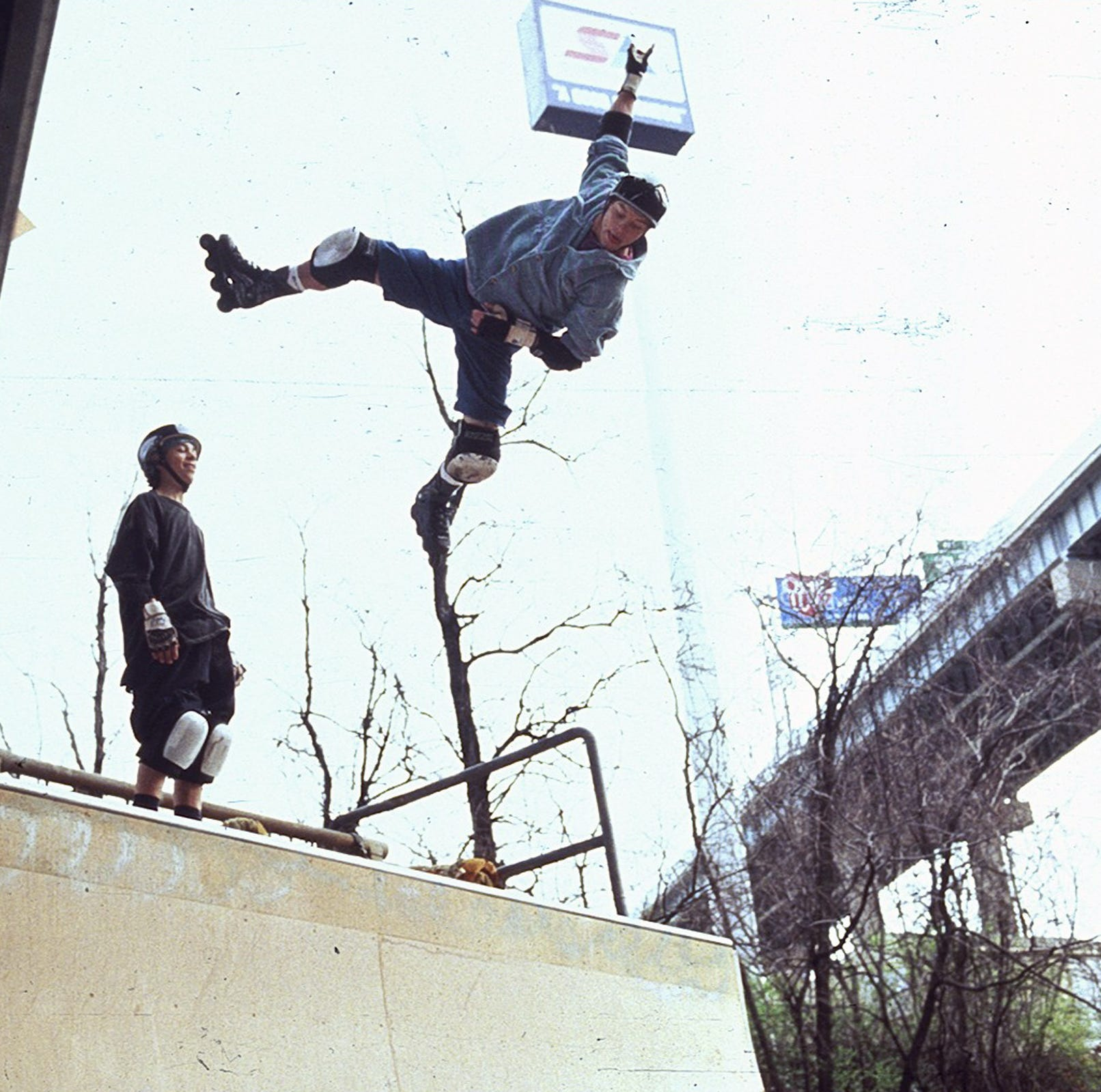 'Airborne' is the best movie from Cincinnati that you've never seen