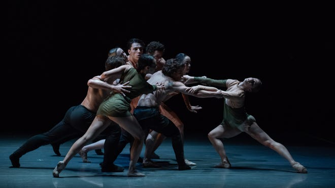 Cincinnati Ballet Dancers, Gathering, Choreography: David Morse.