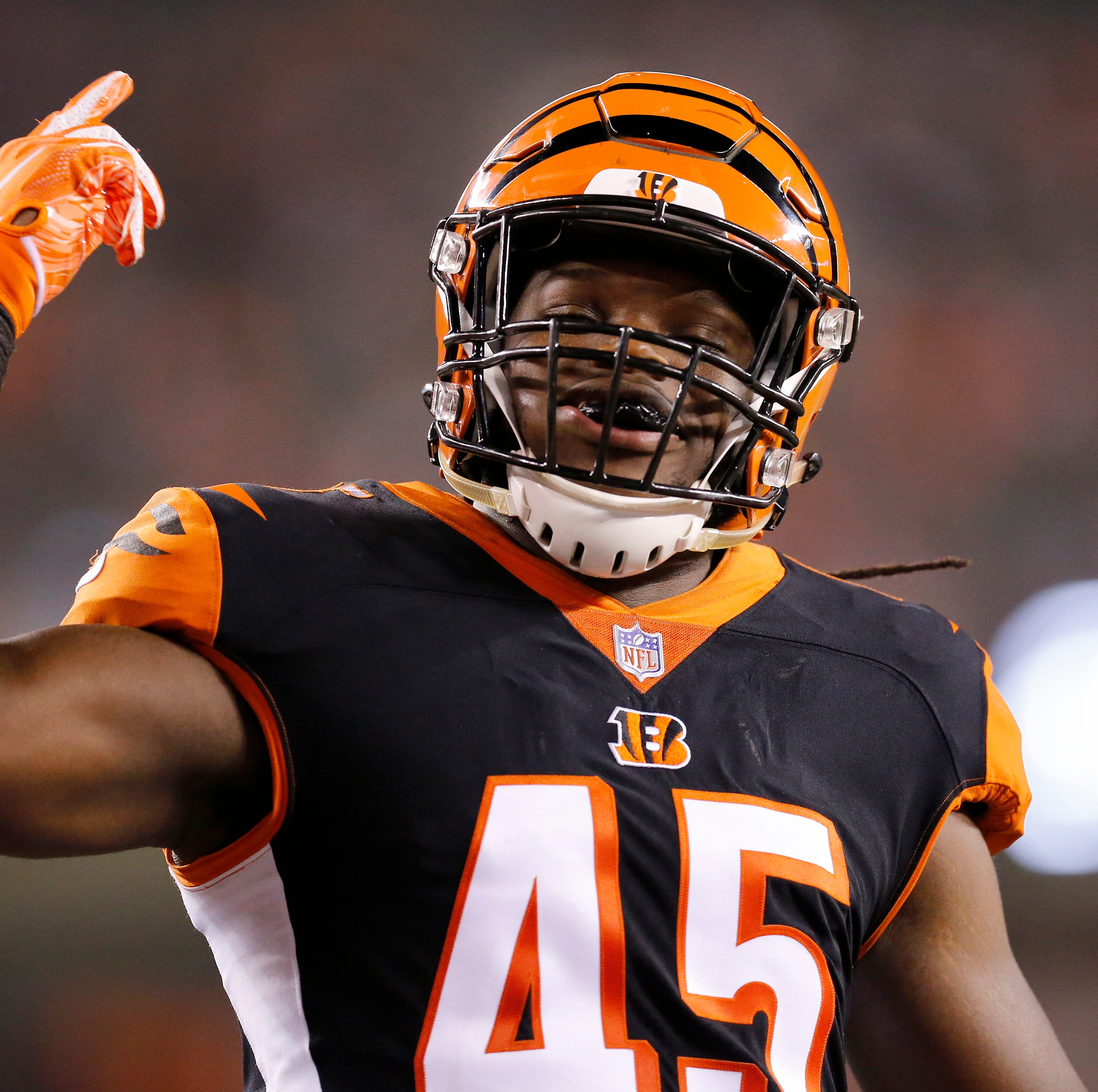Cincinnati Bengals place LB Malik Jefferson on injured reserve
