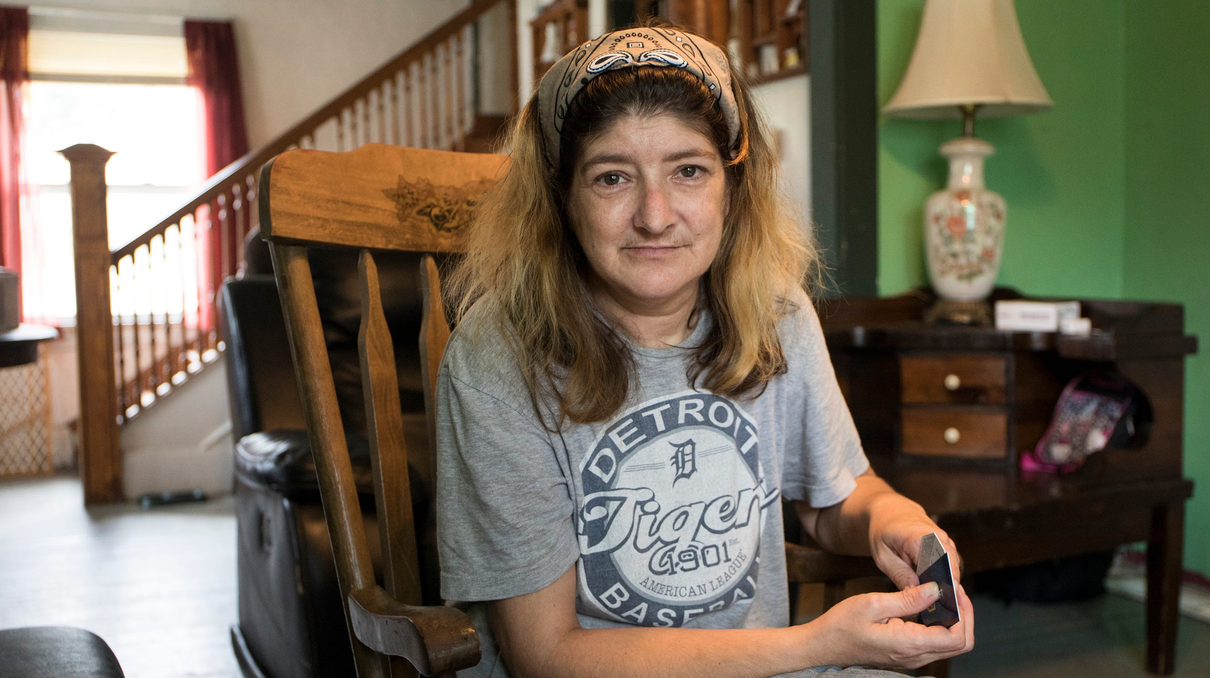 Tracey Taschereau, 48, who lost money to an account takeover scam, speaks with the Detroit Free Press from her home in Ypsilanti, Mich., Wednesday, September 12, 2018. She was trying to get a loan to cover bills but so far has ended up in the red for more than $3,200 after she shopped for loans online.