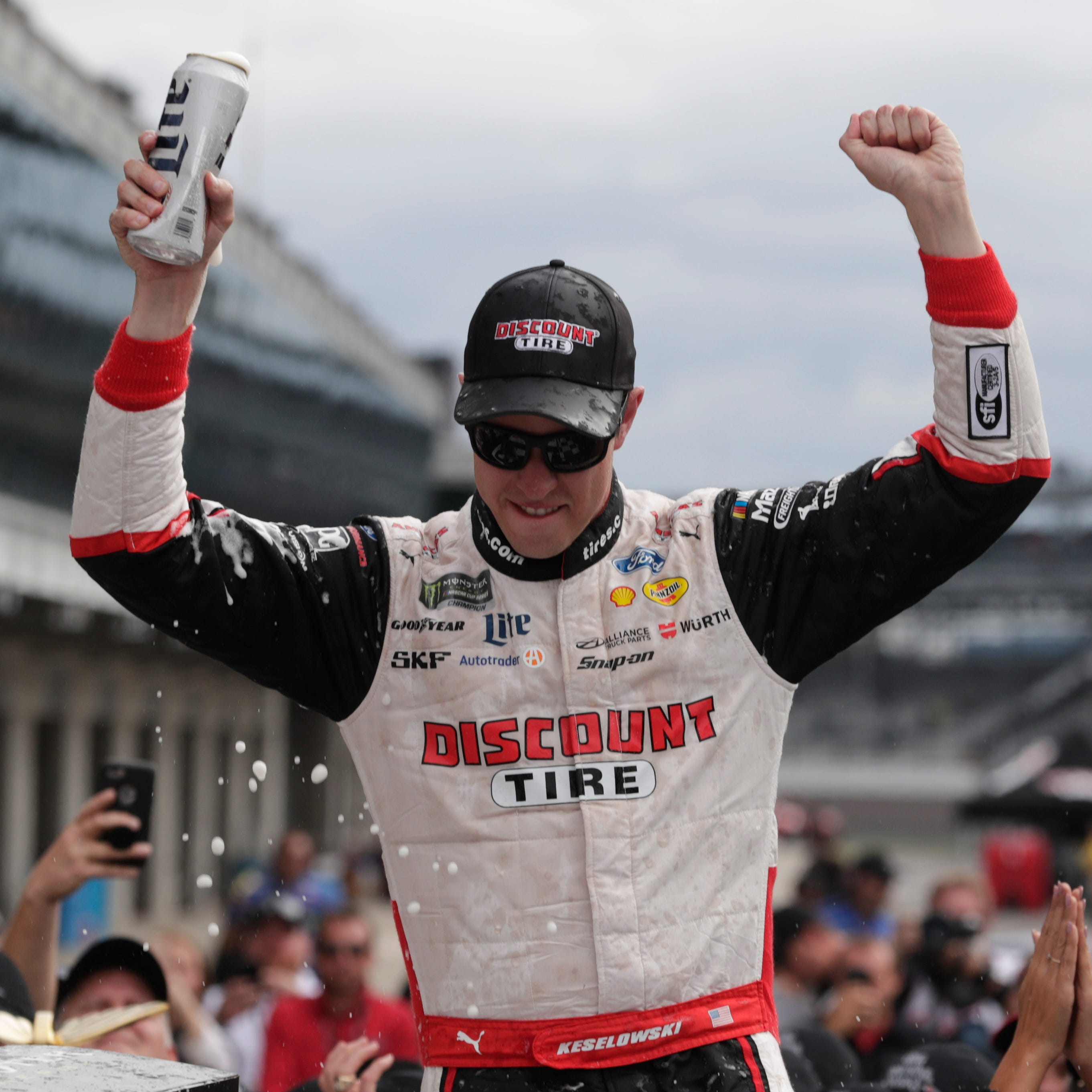Keselowski's win streak breathes life into NASCAR playoffs