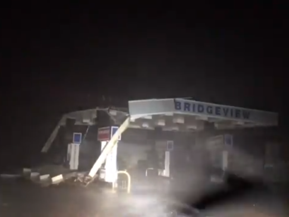 Hurricane Florence destroys gas station in Morehead City, N.C.