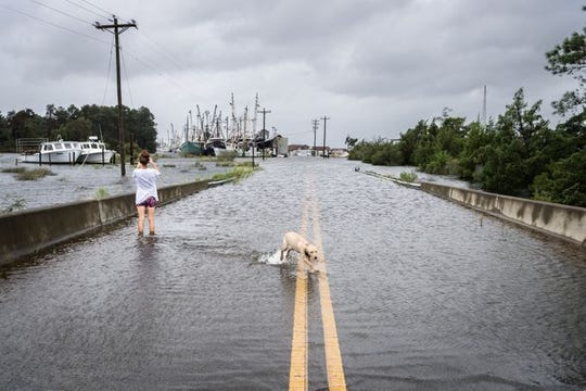 Hurricane Florence About 100 Await Rescue In New Bern After Flooding