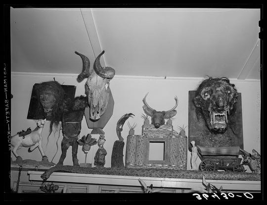 Homer Tate was known for his odd creatures made of papier mache. One of his creations can be seen in The Thing Museum east of Benson, Arizona.