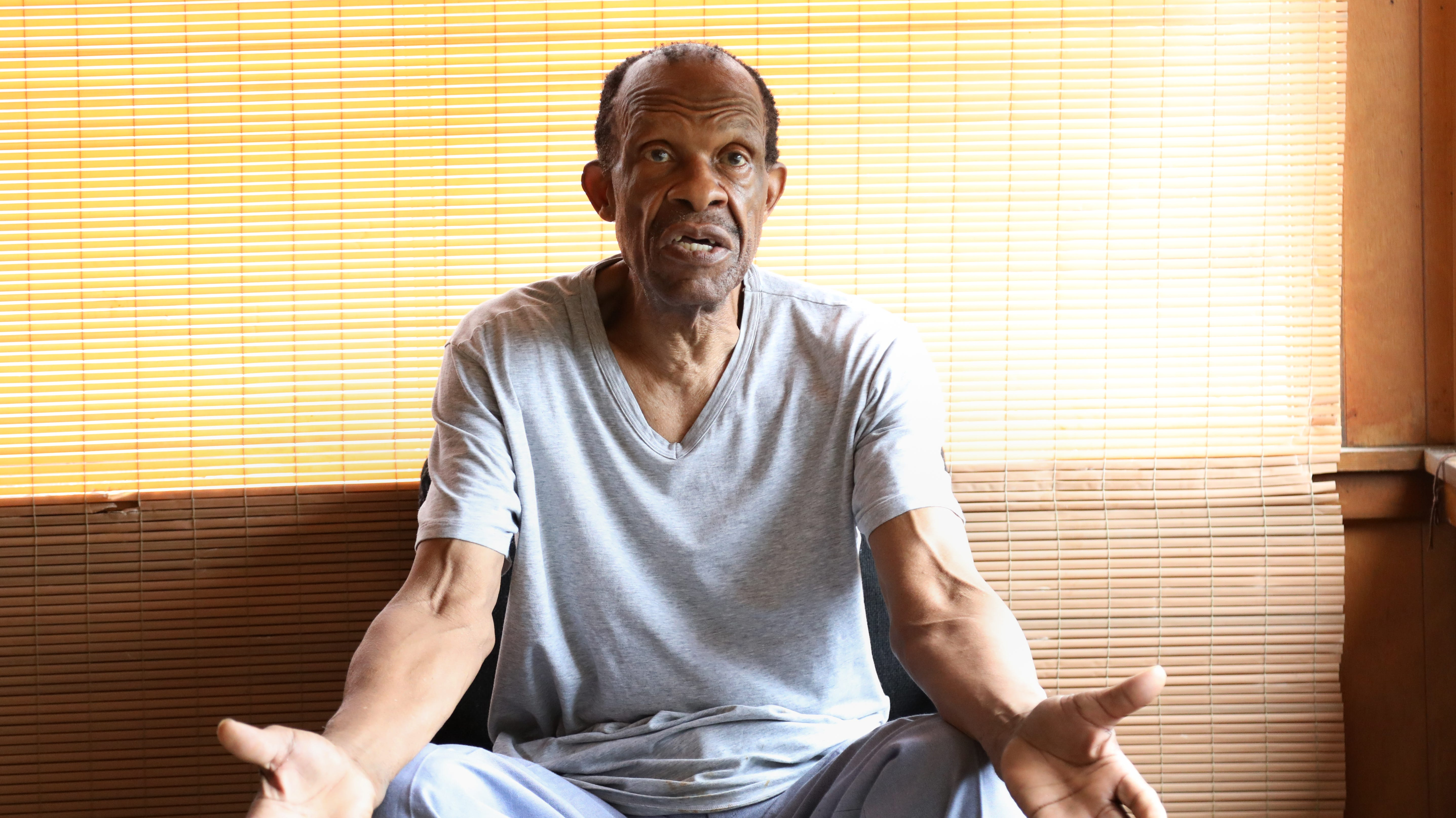 Rochester man who walked miles to ailing wife isn't 99 or a Korean War veteran