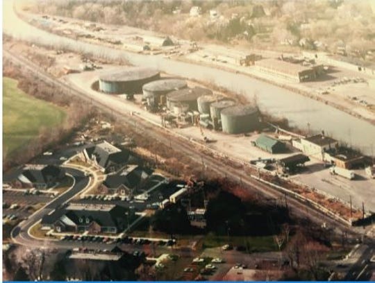 The 75 Monroe Avenue site as an oil depot in 1980.