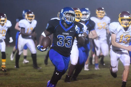 Stephen Decatur's Devin Waters rushes for a touch down against Washington on Thursday, Sept. 14, 2018. In Berlin, Md.