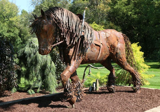 Birdy is the blind horse that inspired the name for The Blind Horse Restaurant & Winery. Birdy was the favorite horse of the Dreps family in the late 1800s and early 1900s. Artist Carl Vanderheyden of Green Bay made the sculpture of Birdy using old fuel oil tanks.