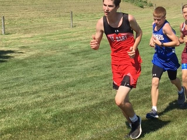 Sophomore Thomas Eining finsihed 13th at the Flyer Invitational.
