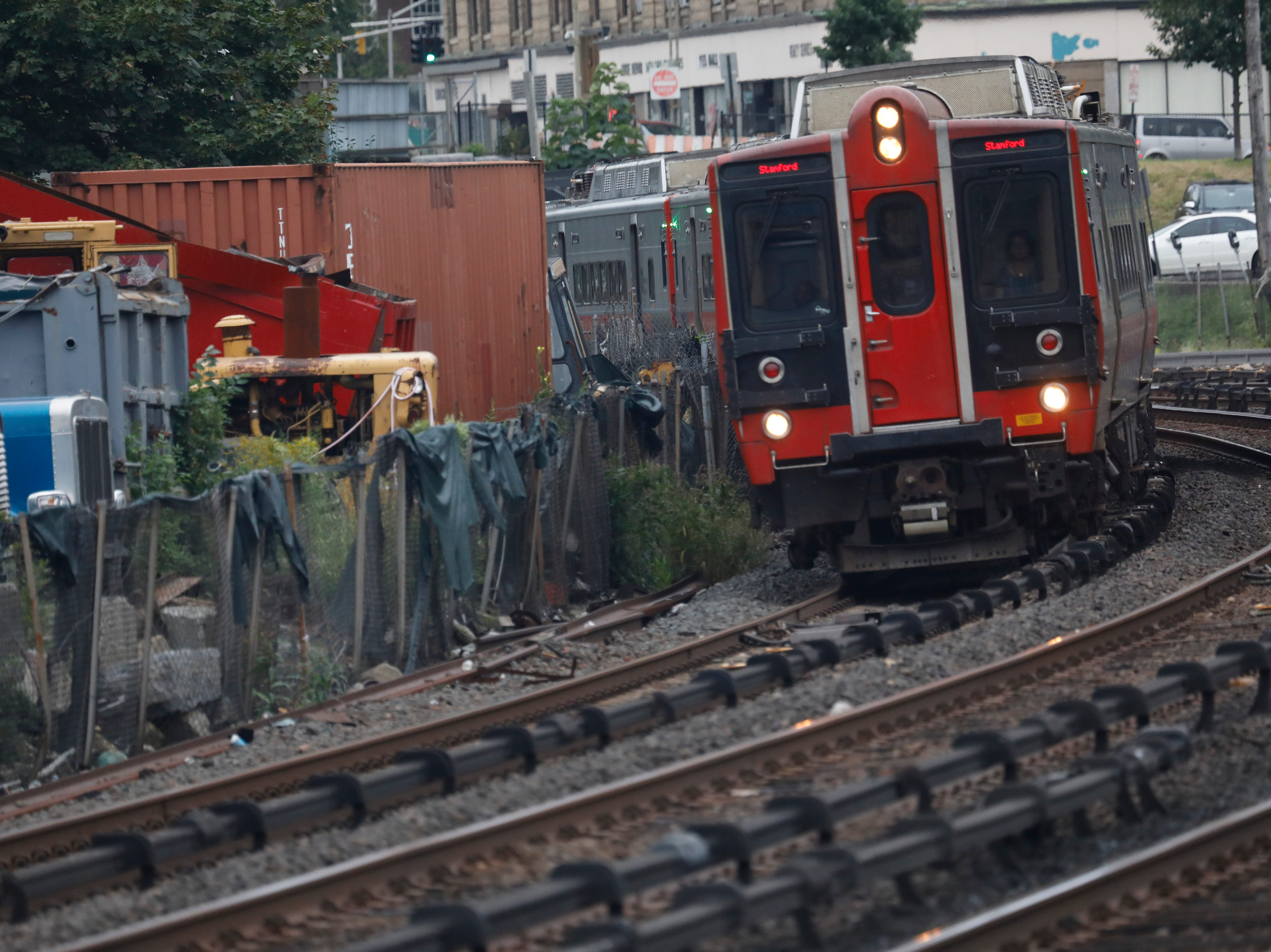Metro North: New Haven Line delayed by power issues