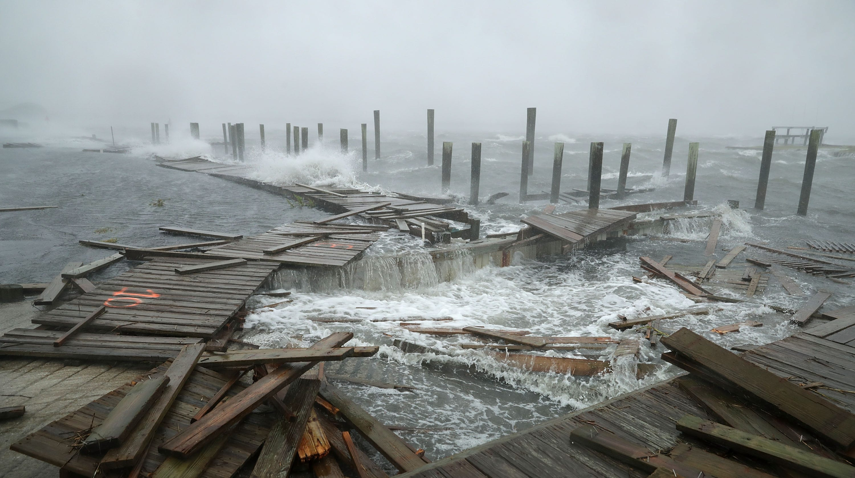 Peachy Hurricane Florence Lumbering Storm Makes Landfall In North Home Remodeling Inspirations Gresiscottssportslandcom